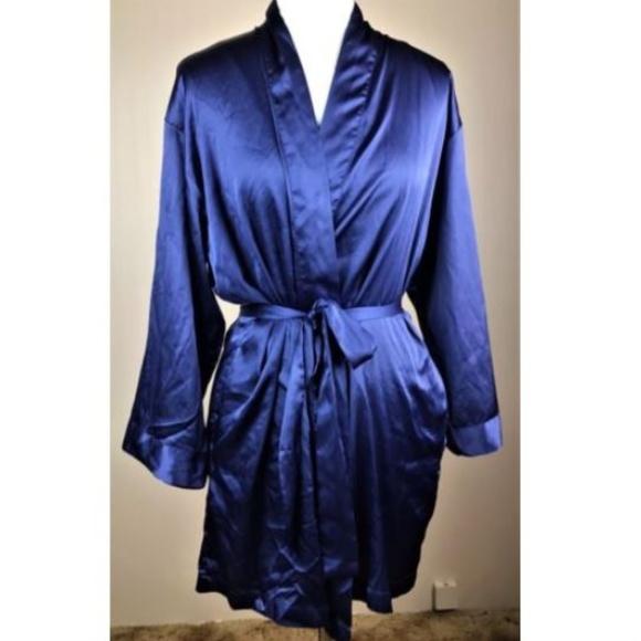 aa5278968df3d Victoria's Secret Periwinkle Wrap Robe Short O/S